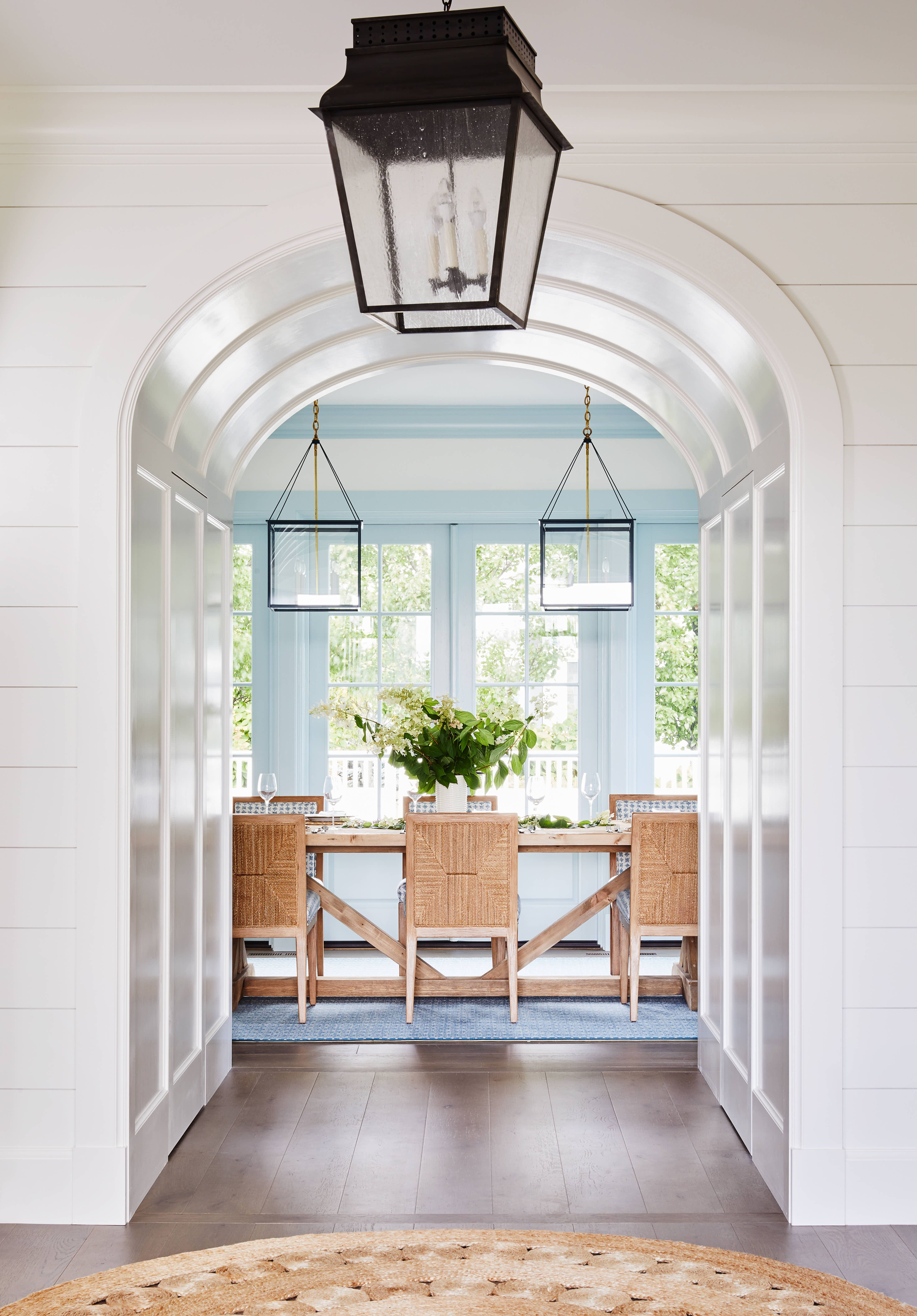 This Maine Vacation Home Puts a Fresh Spin on Seaside Hues