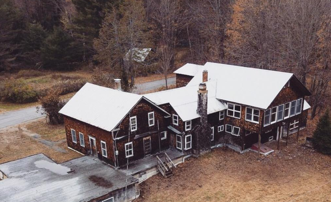 Cheap Old Houses Is About to Be Your Favorite Instagram Account