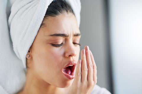 マスクの気になる匂いは口臭が原因?解決策を歯科医が紹介