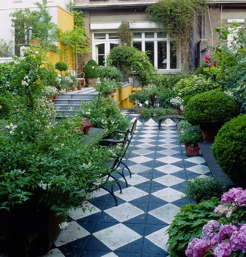 High Stone Wall Garden With Rectangular French Marble: Long Narrow Garden Design Ideas