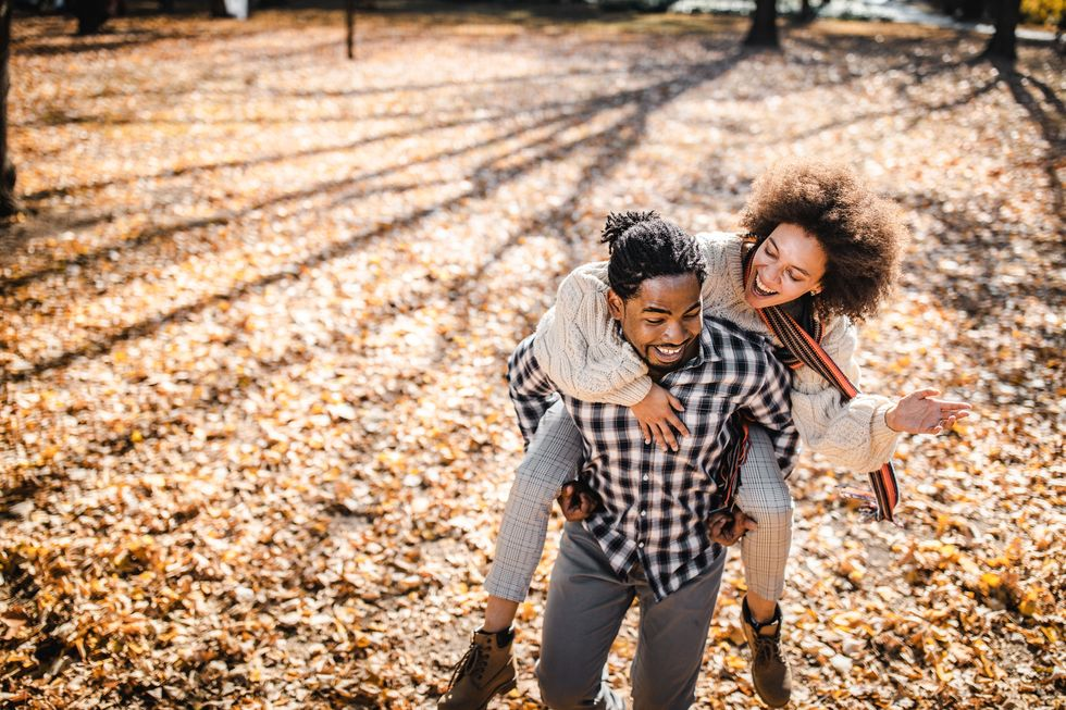 25 Romantic Fall Date Ideas That Aren't 'Drinks' thumbnail