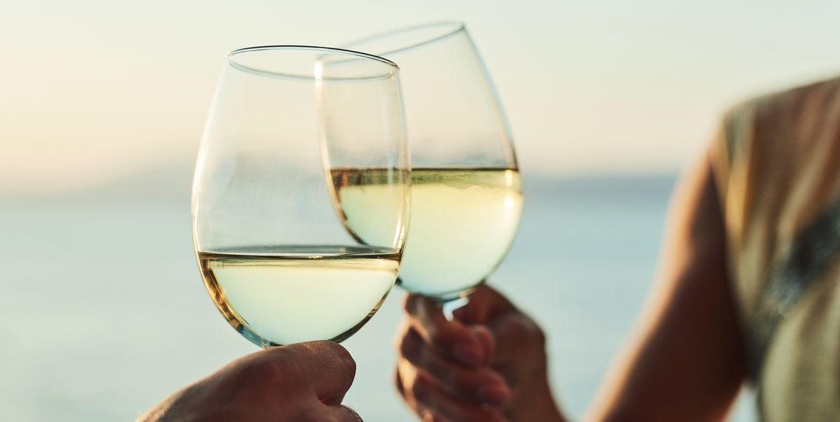 Vino Blanco Calorías En Una Copa Variedades Que Menos Engordan Y Propiedades