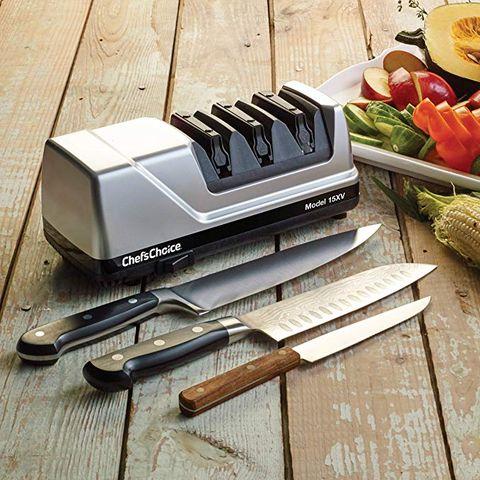 Knife, Kitchen knife, Cutting board, Tableware, Tool, Cutlery, Kitchen utensil,