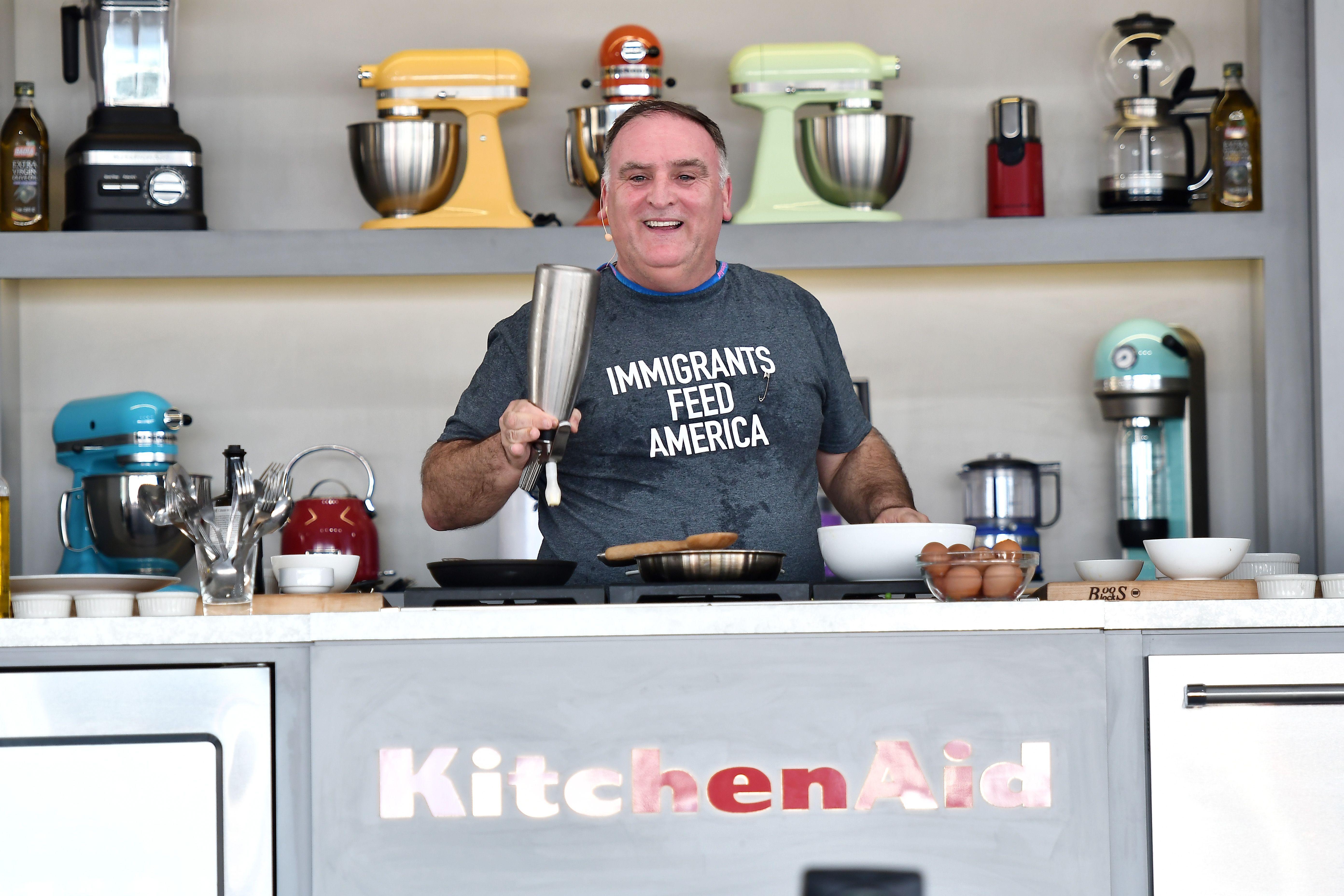 José andréss nonprofit world central kitchen feeds victims of hurricane florence