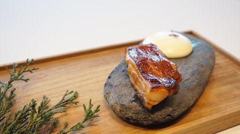 不用出國也能品嘗到祕魯式美食!「秘魯風味和牛菲力、蕉葉鳳梨咖哩烤魚」台北高空景觀餐廳吃的到