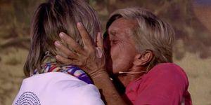Chelo García-Cortés se reencuentra con su esposa Marta Roca en el plató de 'Supervivientes: Tierra de nadie'