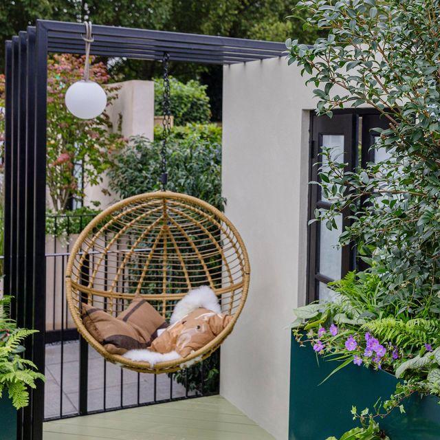 chelsea flower show 2021  sky sanctuary designed by michael coley balcony garden