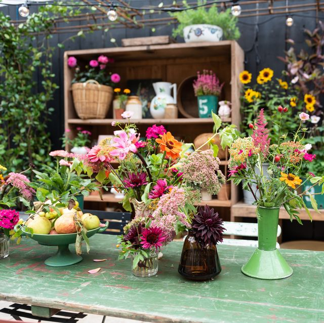 5 easy styling tips to transform your garden from late summer to autumn