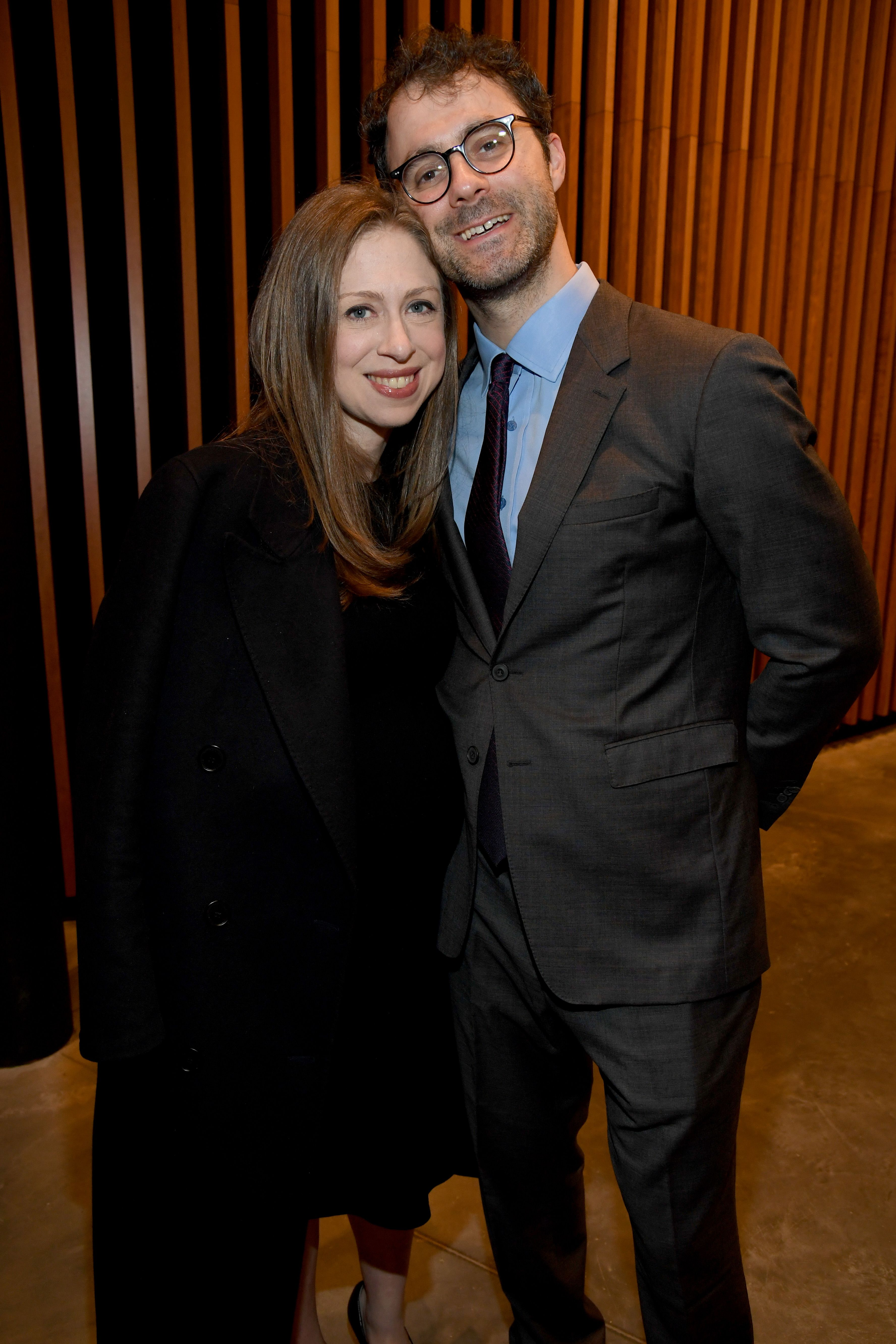 Chelsea clinton dating dating a guy shorter than you