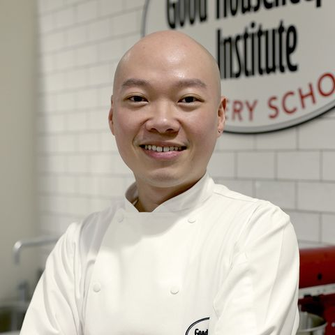 Cook, Chef, Chef's uniform, Chief cook, Pastry chef, Cooking show, Job, Food, Smile, Culinary art,