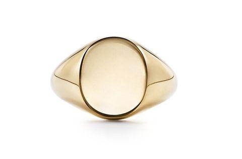 Jewellery, Ring, Fashion accessory, Beige, Brass, Metal, Oval, Bangle, Gemstone, Circle,