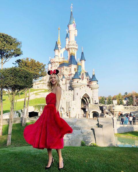 Dress, Tourism, Vacation, Grass, Architecture, Temple, Park, World, Photography, Recreation,