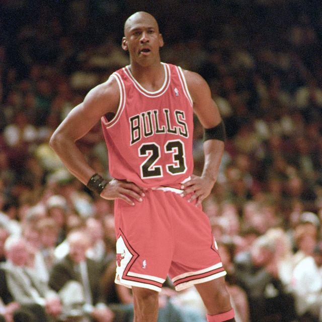 posponer S t embudo  El vídeo inédito de Michael Jordan entrenando en un gimnasio