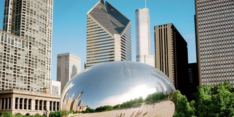 """Chicago's """"Bean"""" with runners"""