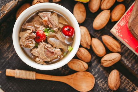 chicken soup, cantonese cuisine, chinese characteristics, old mother chicken soup