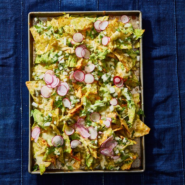 chicken suizas nachos