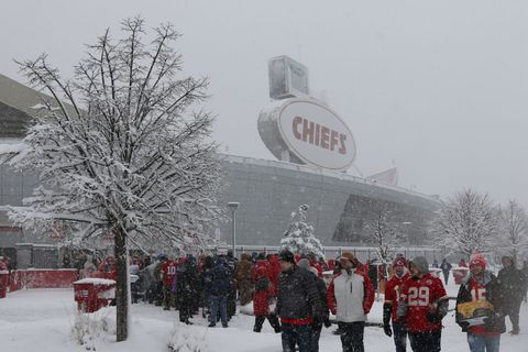 692462db757 How NFL Fields and Players Stay Warm