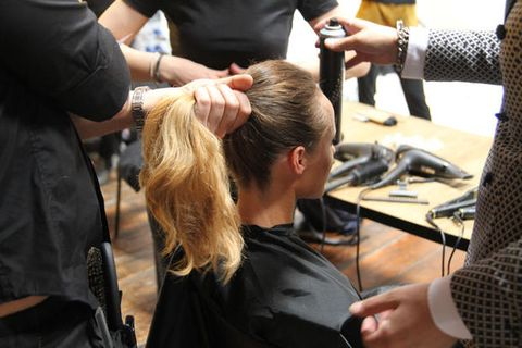 Arm, Hand, Beauty salon, Wrist, Hairdresser, Service, Barber, Hair coloring, Personal grooming, Long hair,