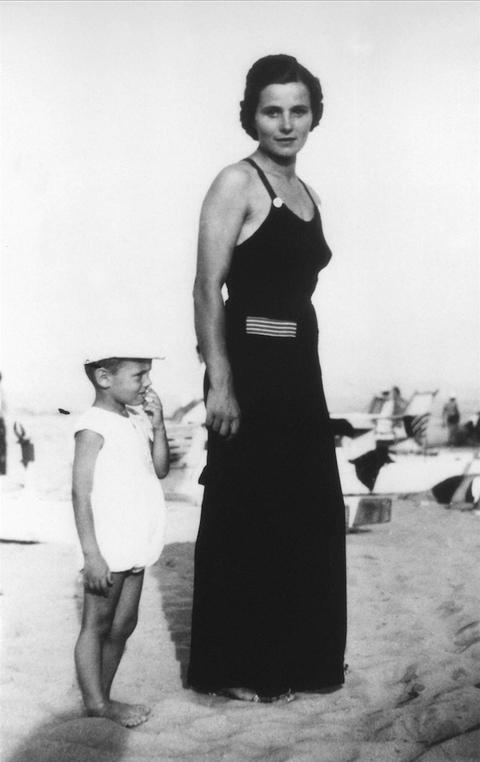 幼少期のジョルジオ・アルマーニ氏
