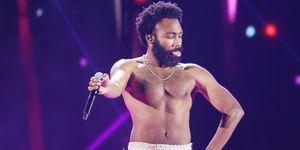 ChildishGambino (DonaldGlover), premio Grammy a la mejor canción 2019 con This is America en una actuación previa a los premios. El artista no acudió a la ceremonia de entrega de los Grammy.