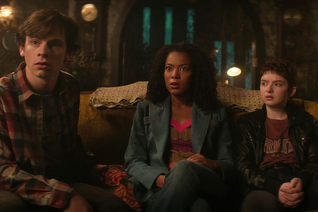chilling adventures of sabrina l to r ross lynch as harvey kinkle, jaz sinclair as rosalind walker, and lachlan watson as theo putnam in episode 209 of chilling adventures of sabrina cr courtesy of netflix © 2020