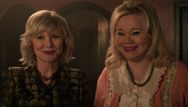 chilling adventures of sabrina l to r beth broderick as zelda and caroline rhea as hilda in episode 215 of chilling adventures of sabrina cr courtesy of netflix © 2020