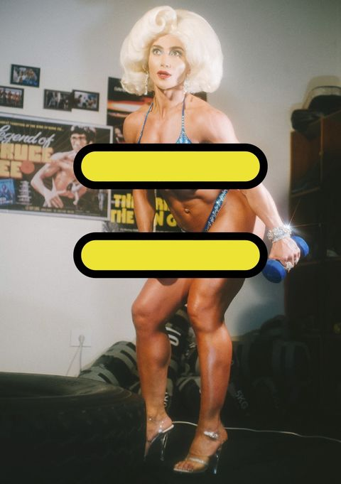 Human leg, Leg, Thigh, Muscle, Yellow, Blond, Joint, Human body, Footwear, Knee,