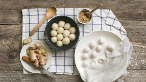 "chinese food ""tang yuan"" glutinous rice ball hot soup dessert"