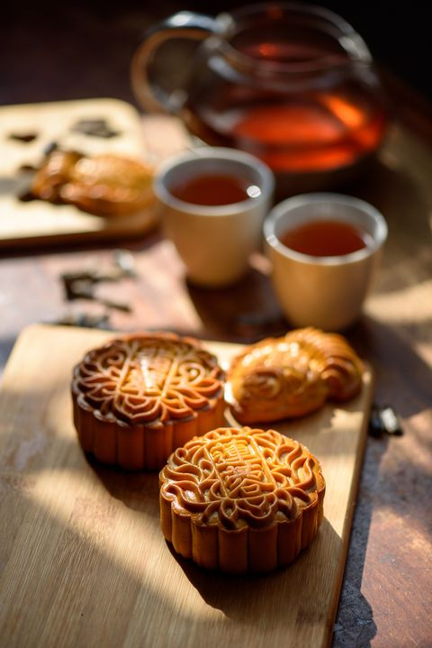 chinese traditional festival mid autumn moon cake and chinese tea