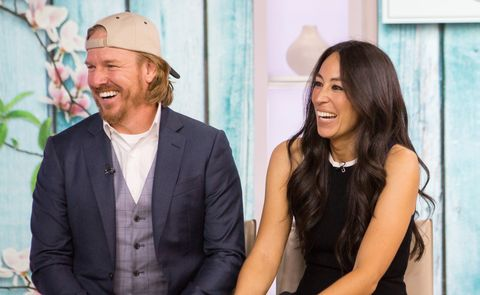chip and joanna gaines magnolia market history magnolia shop opening. Black Bedroom Furniture Sets. Home Design Ideas