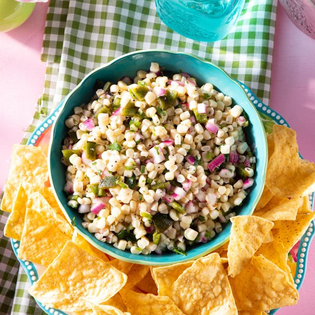 chipotle corn salsa recipe with chips in blue bowl