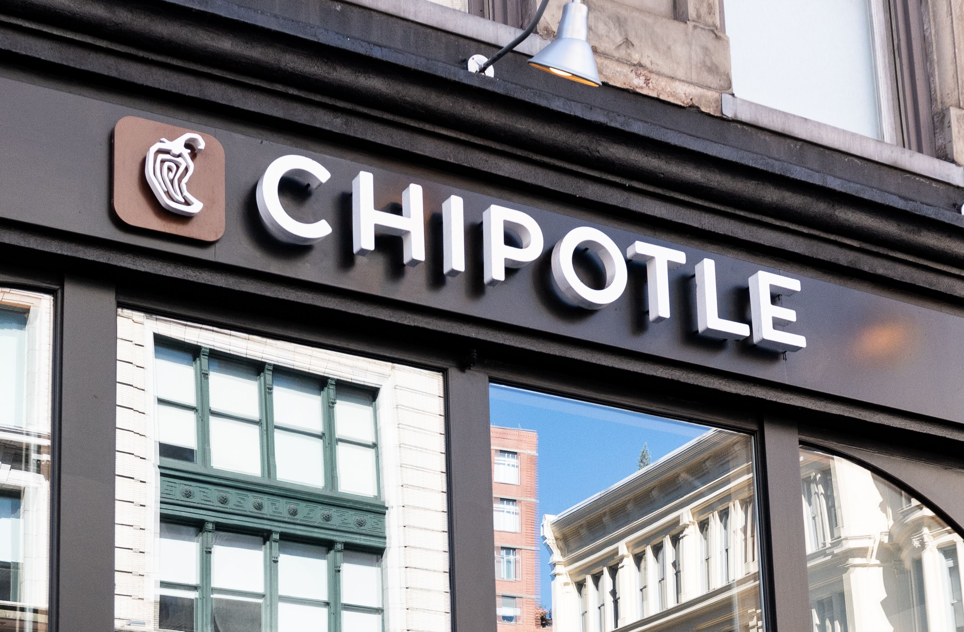 Chipotle illness outbreak: source confirmed by health officials Chipotle illness outbreak: source confirmed by health officials new pictures