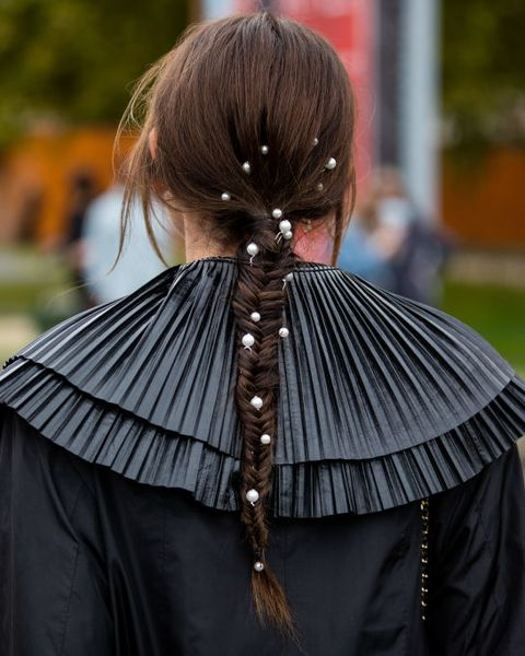 los peinados para el pelo largo trenza con perlas