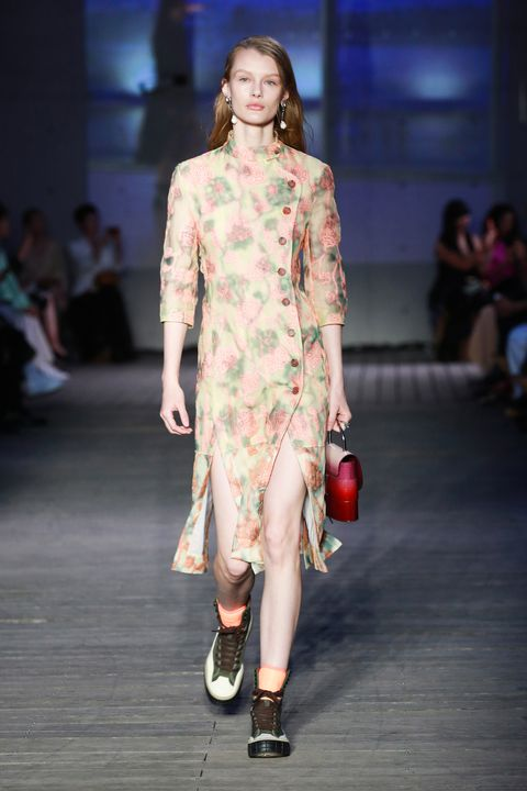 Fashion show, Fashion model, Runway, Fashion, Clothing, Dress, Public event, Fashion design, Event, Shoulder,