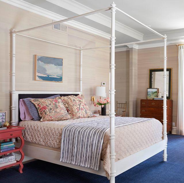Bedroom, Furniture, Bed, Room, Interior design, Bed frame, Bed sheet, Property, Bedding, Ceiling,