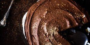 Fairtrade vegan chocoladetaart met goud
