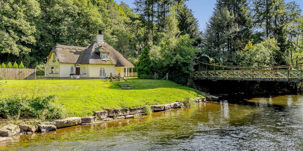 Have a nosey inside this chocolate box cottage for sale in Devon