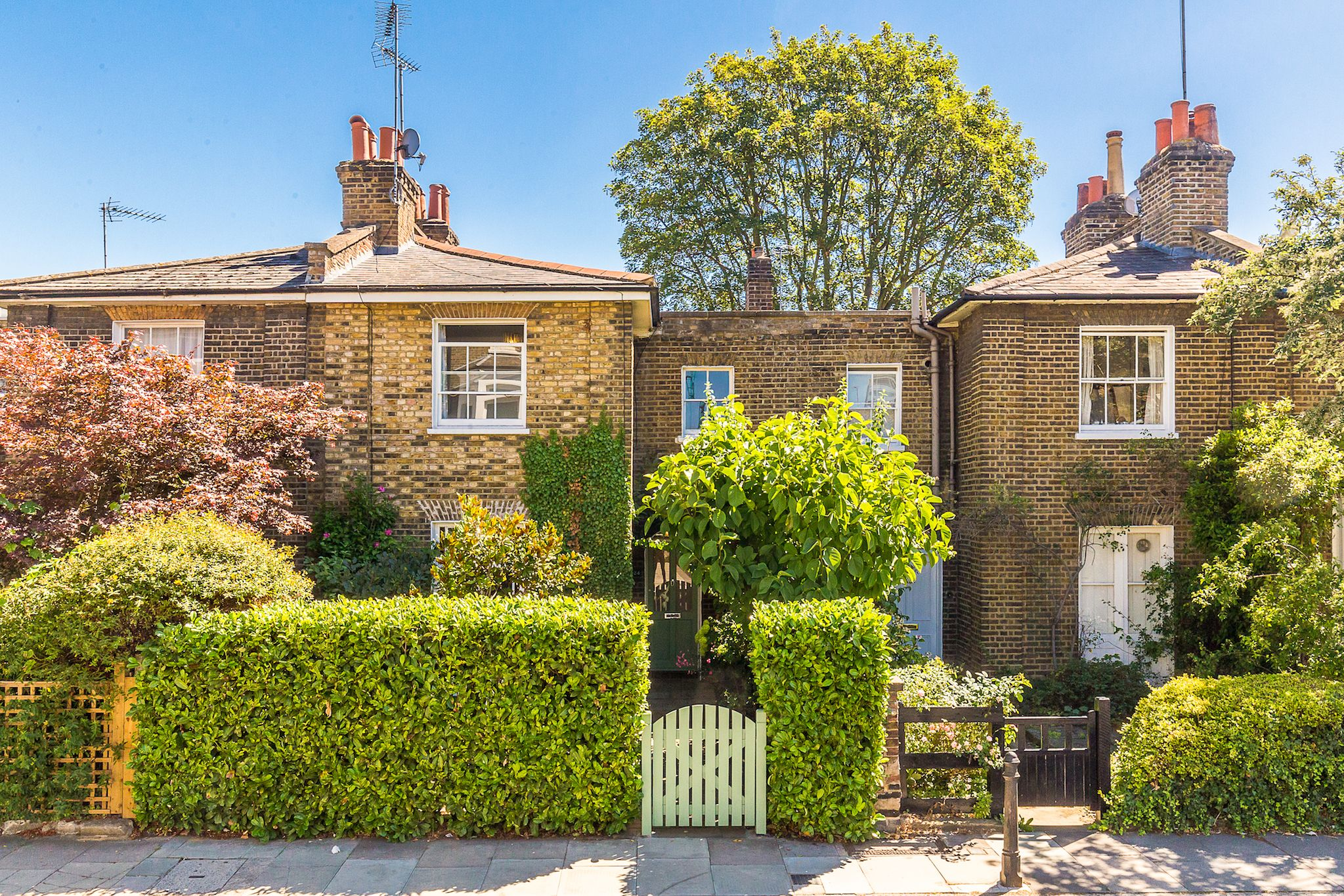 Beautiful Grade Ii Listed Cottage In Hammersmith London For Sale Country Home For Sale