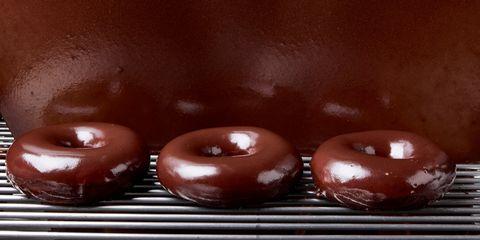 Chocolate, Food, Bossche bol, Glaze, Ganache, Chocolate truffle, Dessert, Doughnut, Cordial, Cuisine,