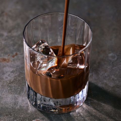 Drink, Old fashioned glass, Black russian, Glass, Distilled beverage, Food, Liqueur, Ice cube, Tumbler, Old fashioned,