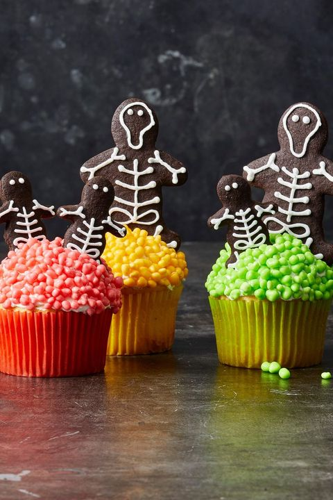 chocolate skeleton cookie cupcakes