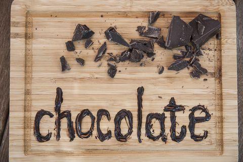 Il massaggio al cioccolato è il trattamento che devi provare per rendere la pelle golosamente bella