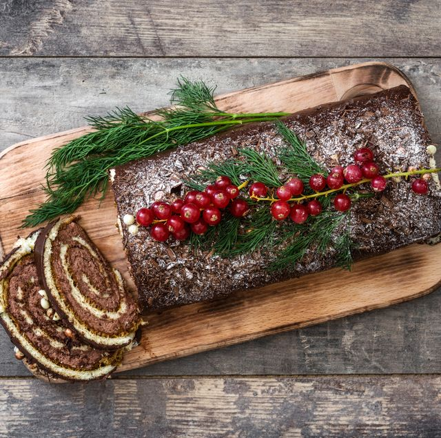 Christmas Yule Log Cake.Best Yule Log 2019 Best Yule Log To Buy For Christmas