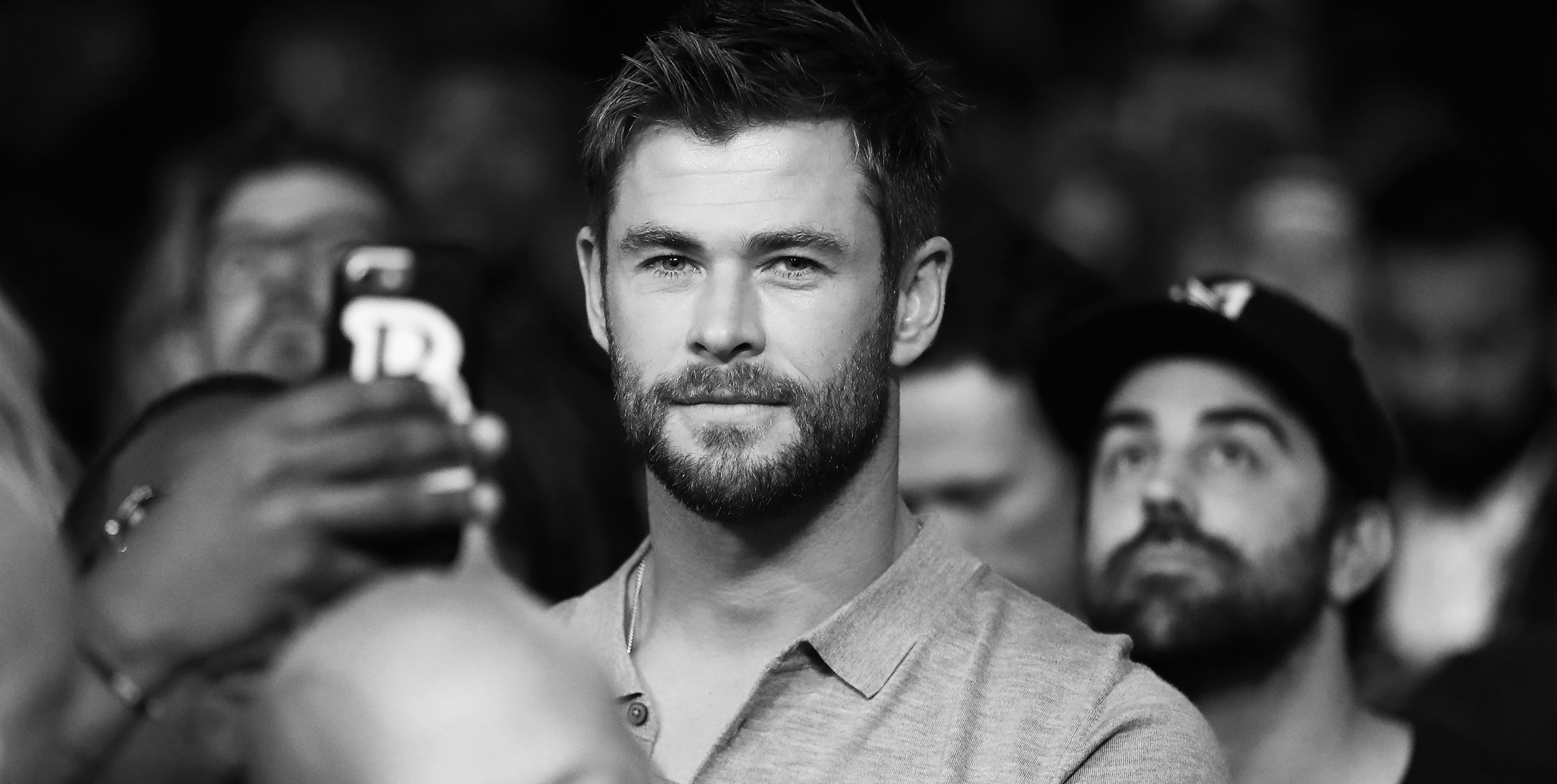 chris hemsworth foto barba