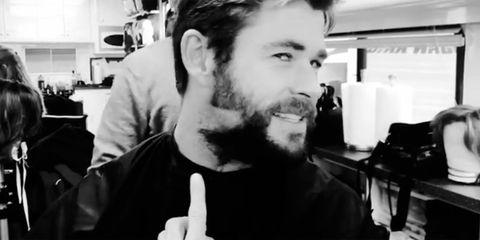 chris hemsworth barba patillas instagram cambio look