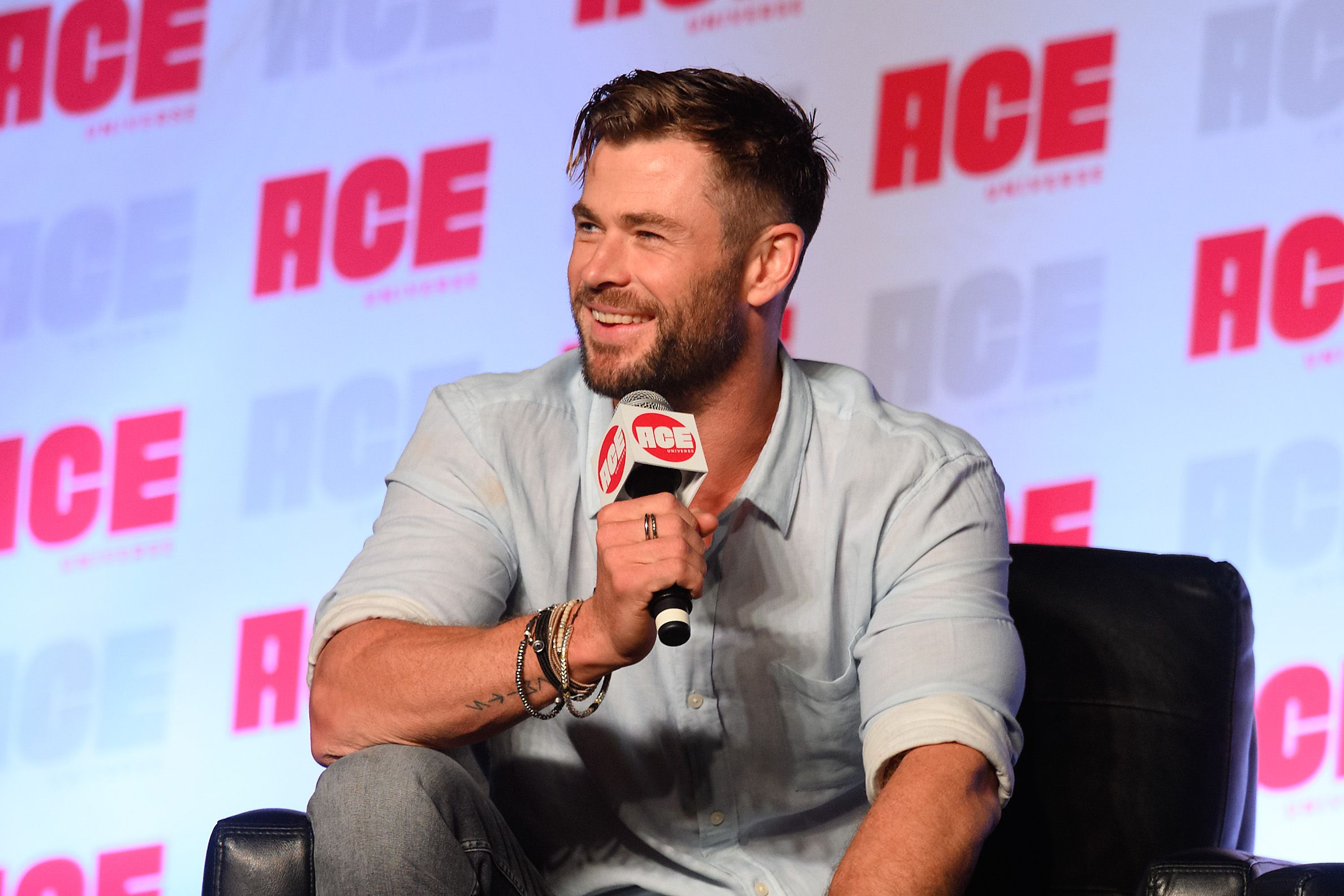 """Why Chris Hemsworth Is Hitting Out at People Saying """"I Don't Have Time to Exercise"""""""