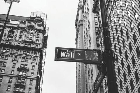 White, Black, Urban area, Black-and-white, Monochrome, Monochrome photography, Street sign, Architecture, Metropolitan area, Text,