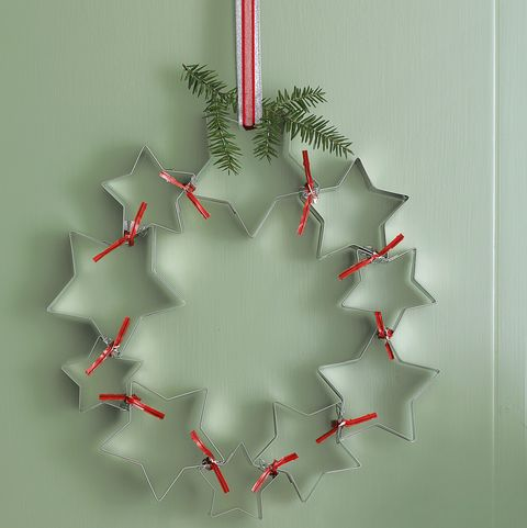 Christmas Wreath Ideas - Cookie Cutter Wreath