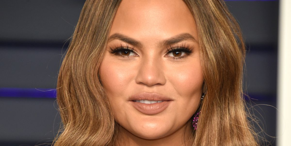 Chrissy Teigen Has the Perfect Response to an Online Troll  About Her Cheeks