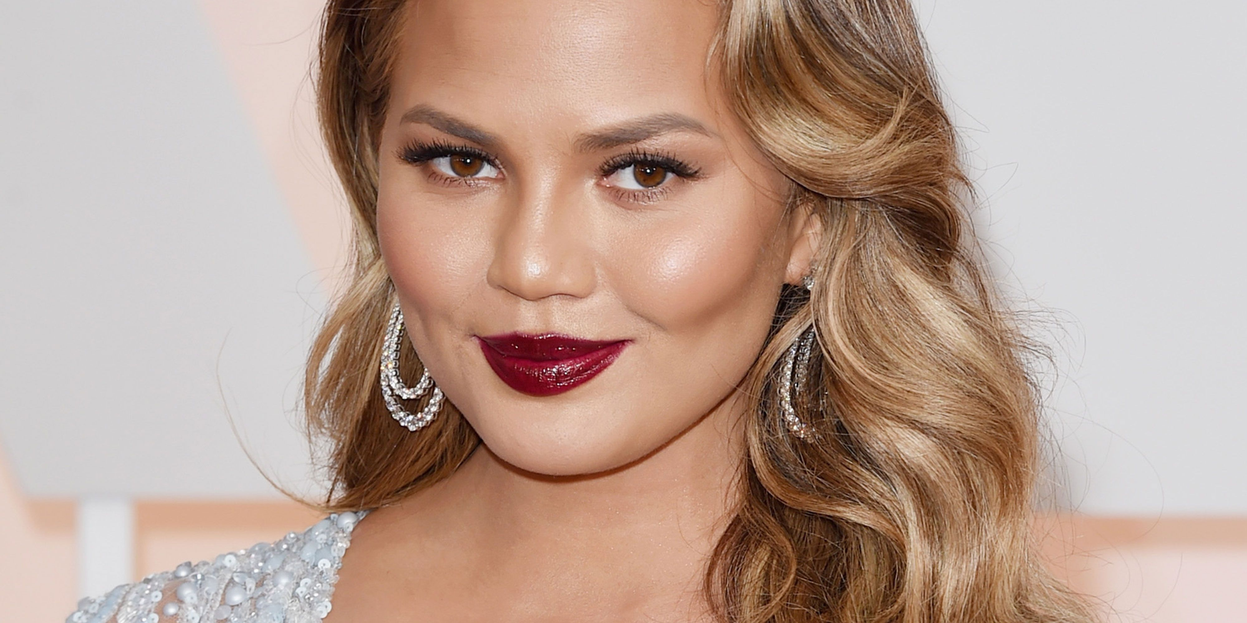"Chrissy Teigen has a message for Thomas Markle: ""This is embarrassing"""
